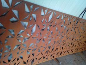 钢板镂空雕花